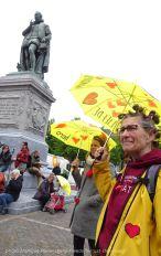 Freedom-210525-Den-Haag-yellow-embrella