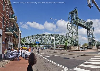 Freedom-210529-Rotterdam-bridge-lift