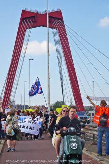 Freedom-210529-Rotterdam-bridge-scooter