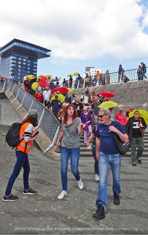Freedom-210529-Rotterdam-bridge-stairs2