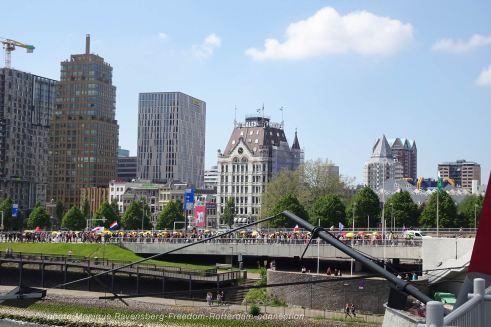 Freedom-210529-Rotterdam-bridge-up