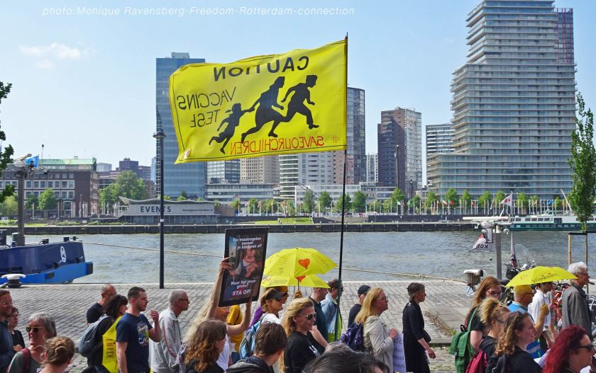Freedom-210529-Rotterdam-flag