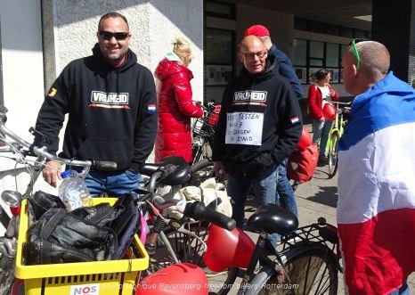 freedom-bike-R'M-210501-gather