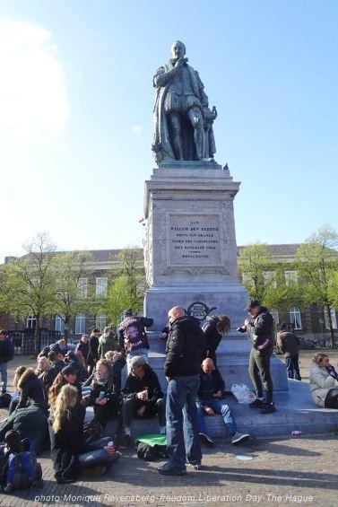 Freedom-Liberation-Day-Plein-statue
