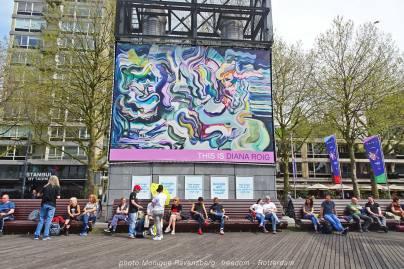 Freedom-march-210509-Rotterdam-bench