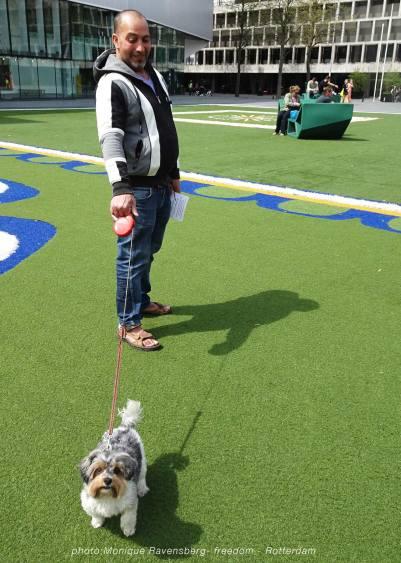 Freedom-march-210509-Rotterdam-dog1