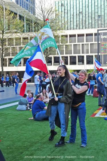 Freedom-march-210509-Rotterdam-flags