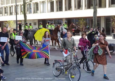 Freedom-march-210509-Rotterdam-Schouwburgplein