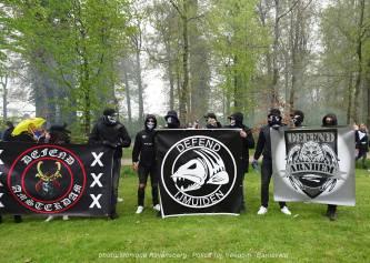 Freedom-Police-Barneveld-210508-Defence-groups