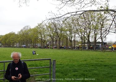 Freedom-Police-Barneveld-210508-longue-line