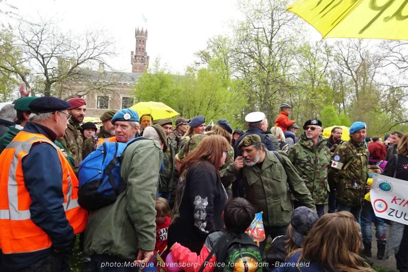 Freedom-Police-Barneveld-210508-veterans
