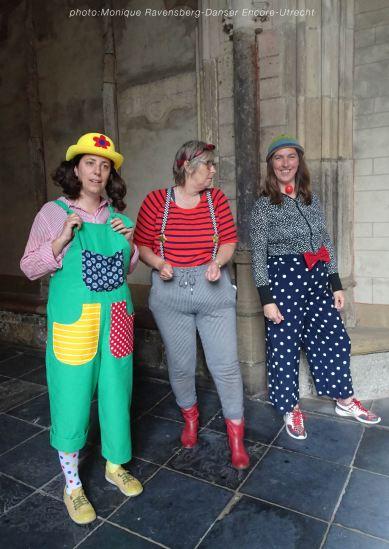 Dancer-encore-210604-Utrecht-clowns