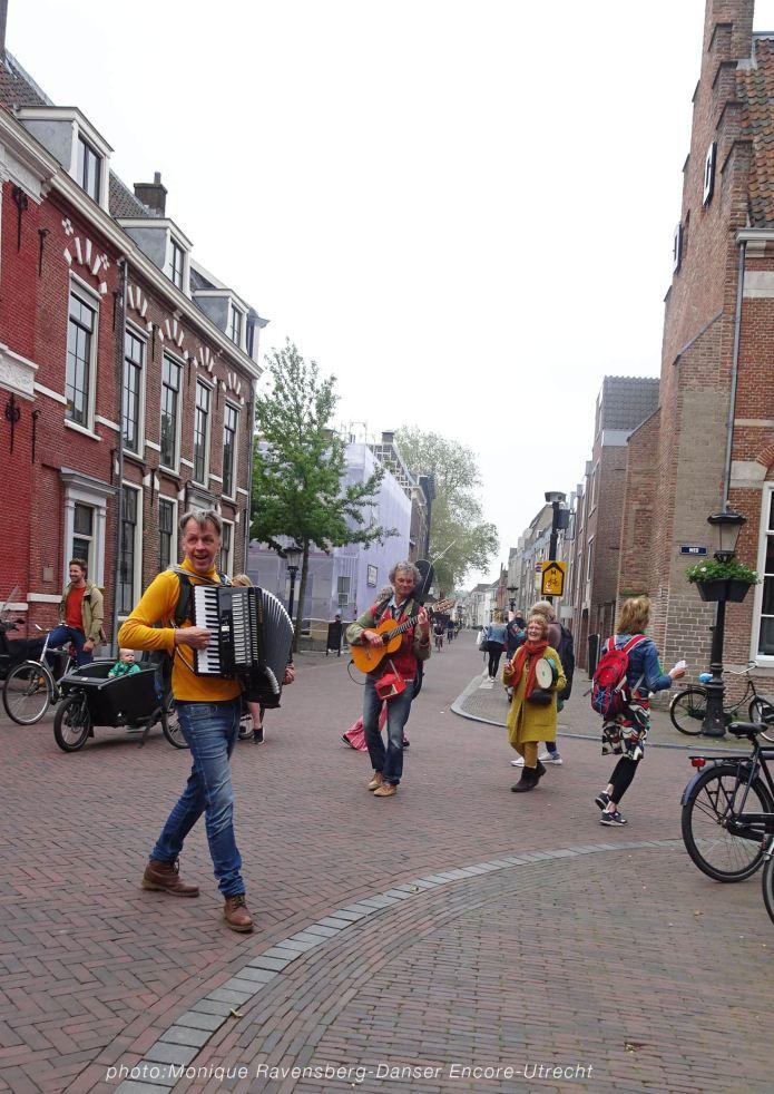 Dancer-encore-210604-Utrecht-move