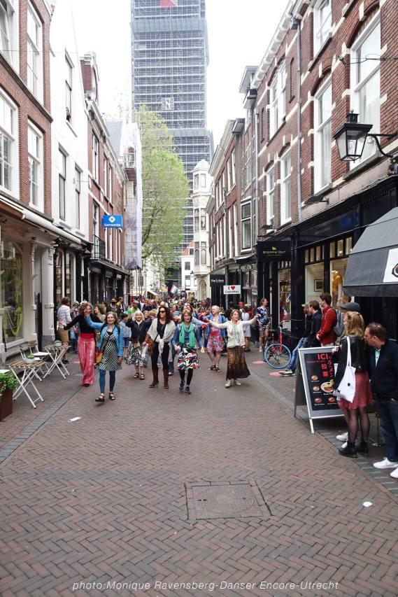 Dancer-encore-210604-Utrecht-sing-along