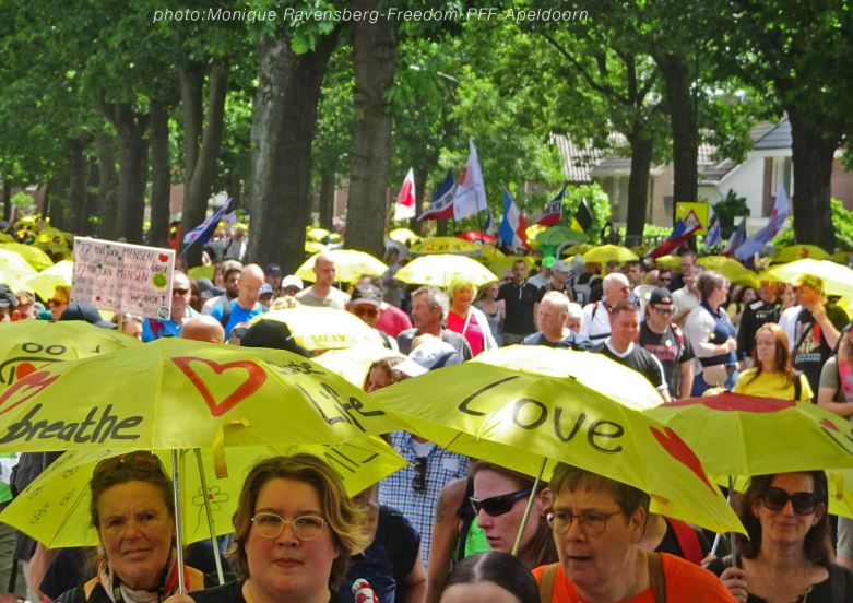 Freedom-210611-PFF-yellow-umbrella-2