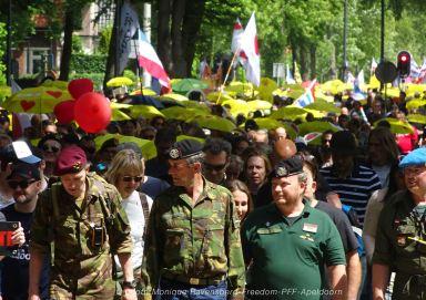 Freedom-210611-PFF-yellow-umbrella-3