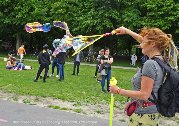 Freedom-210620-The-Hague-bubbles