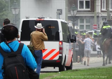 Freedom-210620-The-Hague-police-move