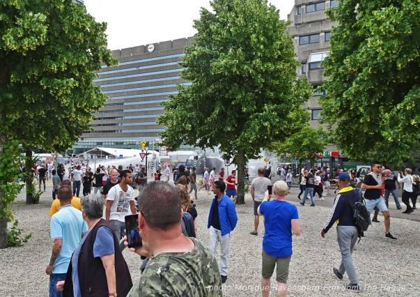 Freedom-210620-The-Hague-police-violence-run