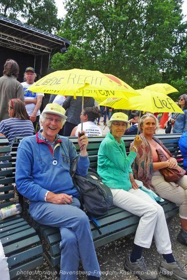 Freedom-210620-yellow-umbrella
