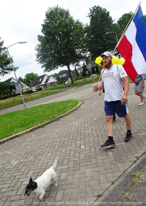 Freedom-210626-Zeewolde-dog-leads