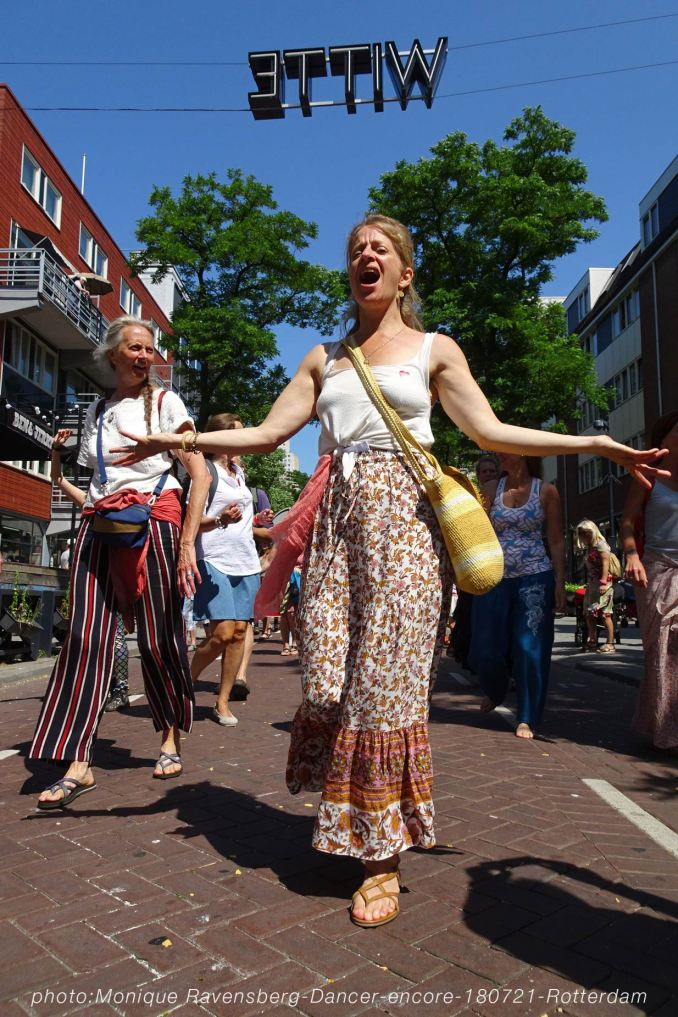 Dancer-encore-210718-Rotterdam-sing