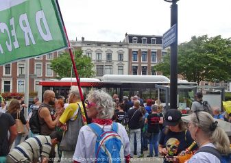 Freedom-210704-The-Hague-start-bus