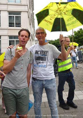 Freedom-210704-The-Hague-start-friends