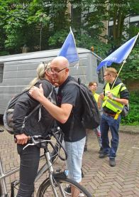 Freedom-210704-The-Hague-walk&hug