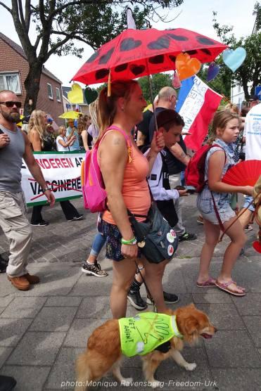 Freedom-210710-Urk-walk-10-dog