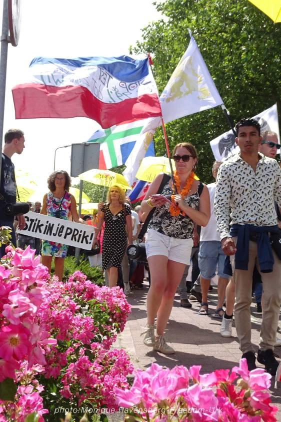 Freedom-210710-Urk-walk-16-flowers