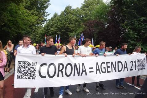 Freedom-210710-Urk-walk-24-Banner-front