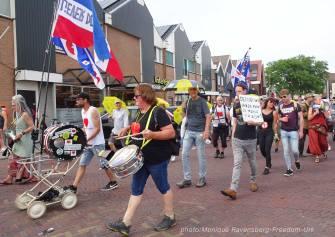 Freedom-210710-Urk-walk-31-drum