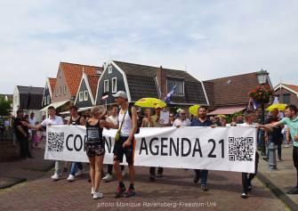 Freedom-210710-Urk-walk-vilage