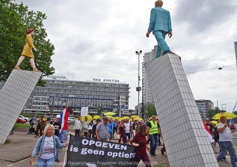 Freedom-210711-Rotterdam-South-walk-statue