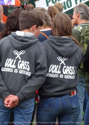 Freedom-Farmers-defend-The-Hague-gass