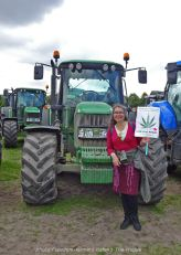 Freedom-Farmers-defend-The-Hague-Lady-Hemp