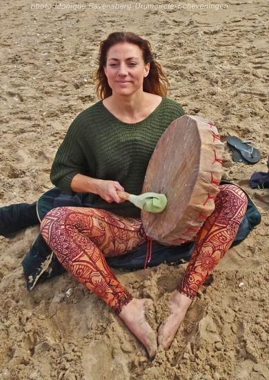 Drumcircle-beach-drum