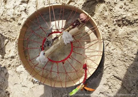 Drumcircle-drum-and-feather
