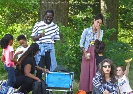 Freedom-210725-public-picknick-2