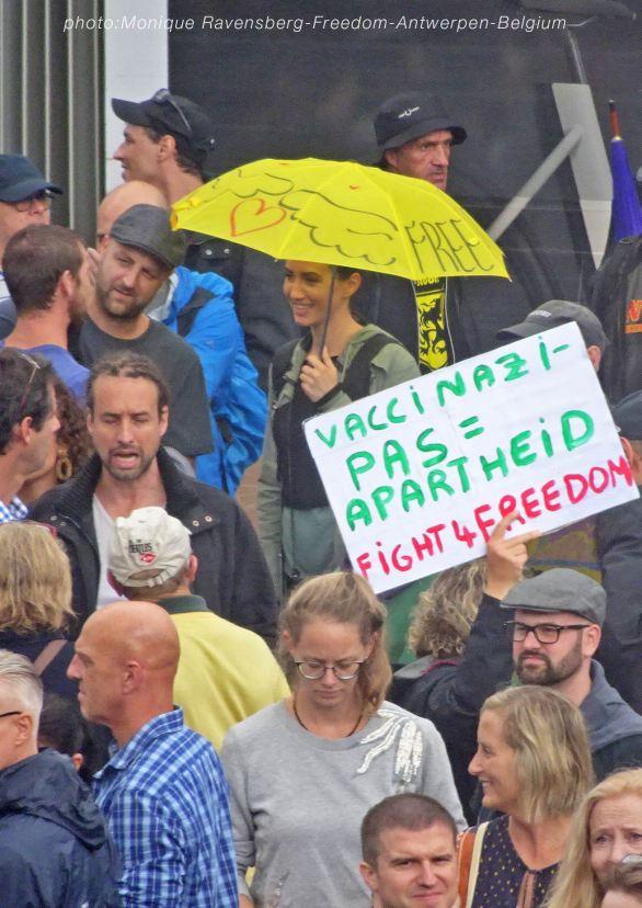 Freedom-210822-Antwerpen-crowd2