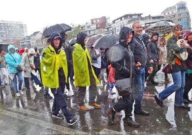 Freedom-210822-Antwerpen-rain-fall-walk