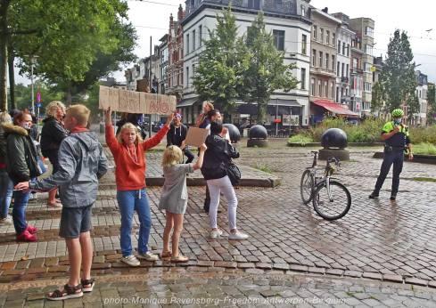 Freedom-210822-Antwerpen-walk-front