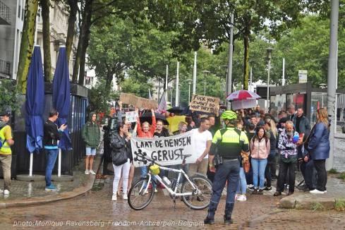 Freedom-210822-Antwerpen-walk-front2