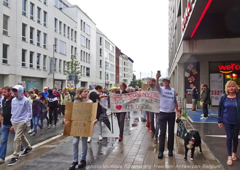 Freedom-210822-Antwerpen-walk-together