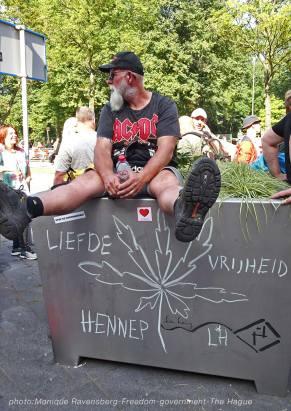 Freedom-210907-government-chalk-Lady-Hemp