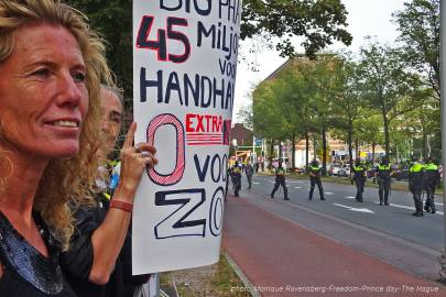 Freedom-210921-The-Hague-locked-in