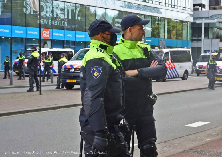 Freedom-210921-The-Hague-police-army-4