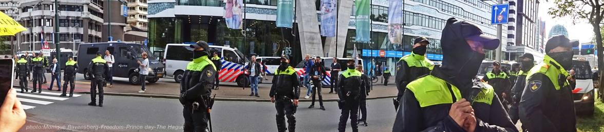 Freedom-210921-The-Hague-police-army-panorama