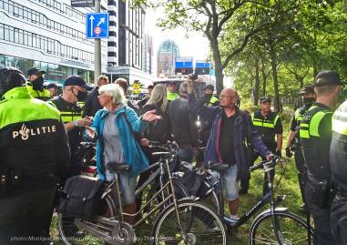 Freedom-210921-The-Hague-traped